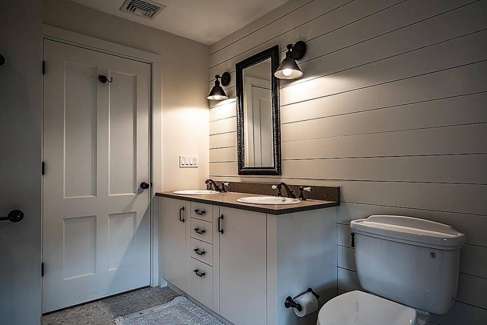 custom bathroom remodel contractor